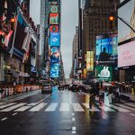 Nowe trendy w reklamie zewnętrznej – cyfrowy i interaktywny outdoor