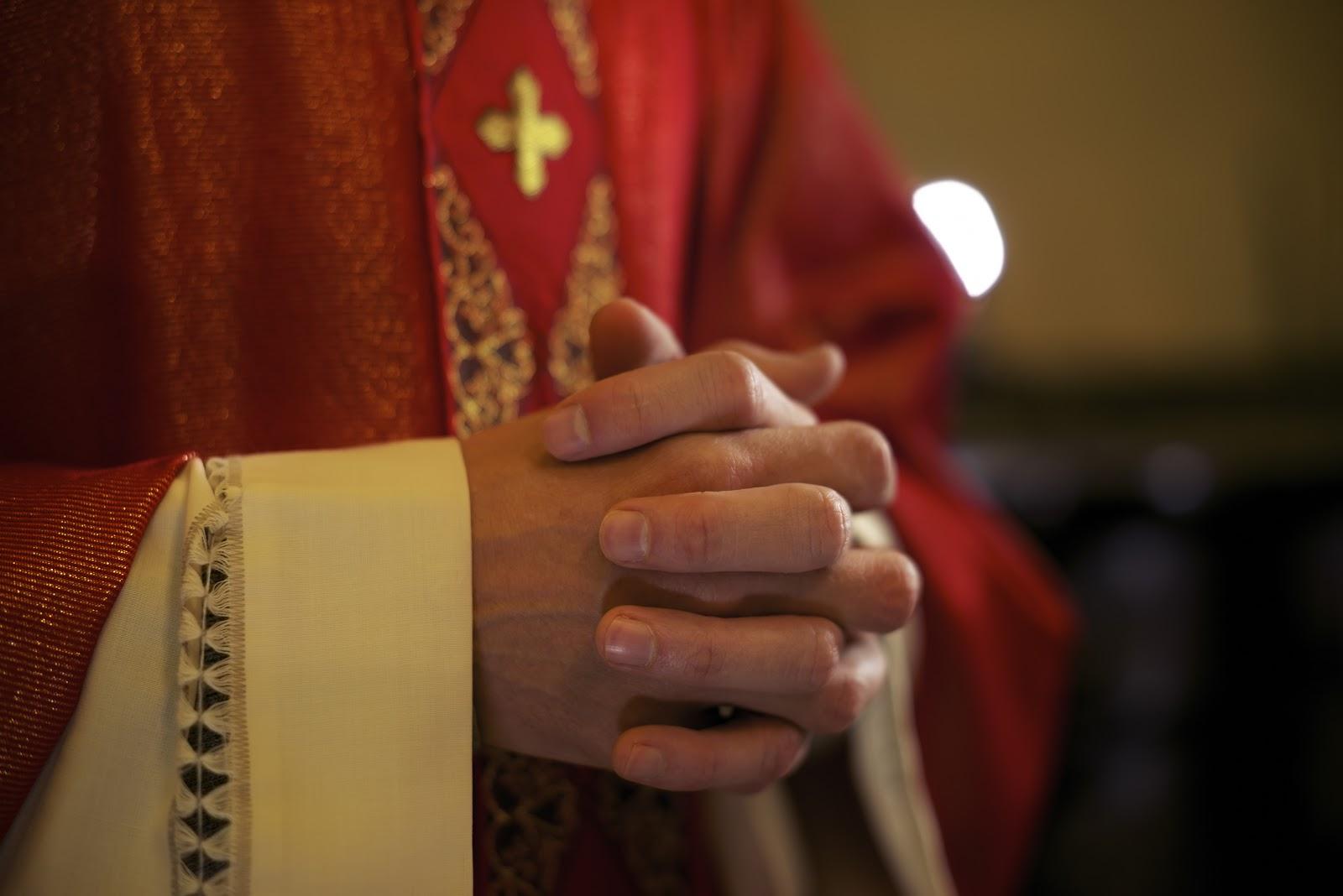 Szaty liturgiczne w kościele katolickim
