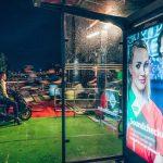 Reklama na pleksi Warszawa - zalety i wady