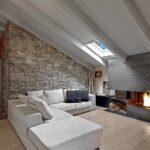 Dobudowa okna dachowego w gotowym dachu - wady i zalety